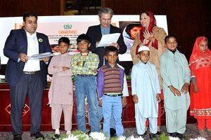 Pakistan: Xây dựng hệ thống giáo dục thống nhất