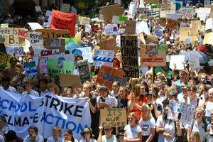 Hàng ngàn học sinh Úc xuống đường kêu gọi hành động chống biến đổi khí hậu