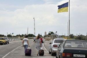 Ukraine cấm người nước ngoài vào Crimea qua biên giới đất liền