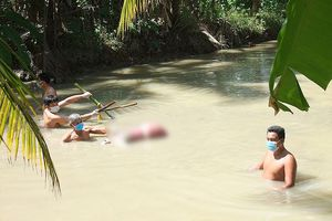 Người phụ nữ tử vong thương tâm dưới mương nước nghi bị sát hại