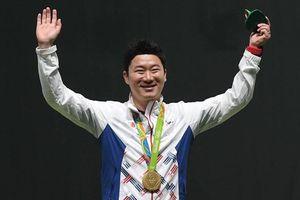 Tượng đài bắn súng thế giới Jin Jong Oh đến Việt Nam truyền cảm hứng