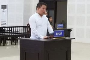 Bắt quả tang trộm mỹ phẩm, hướng dẫn viên Trung Quốc lãnh án tù