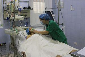 Đau bụng kéo dài, nữ bệnh nhân bị phình động mạch bụng như lốp xe
