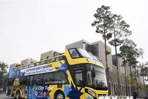 Thêm một tuyến xe buýt 2 tầng phục vụ khách tham quan Hà Nội