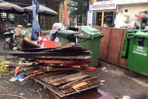 Hà Nội: Rác cồng kềnh vẫn còn nhiều trên phố