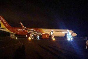 Bộ GTVT báo cáo khẩn Thủ tướng vụ máy bay Vietjet văng 2 bánh khi hạ cánh ở sân bay