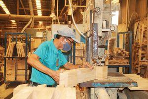 Doanh nghiệp Việt ứng phó với chiến tranh thương mại