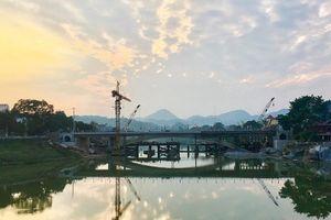 Lạng Sơn: Phân luồng giao thông qua cầu Kỳ Cùng