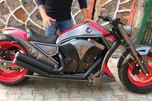 Bajaj Avenger 220 'nhái' thiết kế Harley Davidson V-Rod
