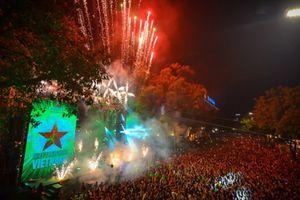 Hà Nội tổ chức lễ hội đếm ngược Countdown tại Nhà hát lớn và Hồ Gươm