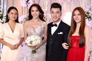 Thu Thủy, Phạm Quỳnh Anh xúng xính dự đám cưới Ưng Hoàng Phúc