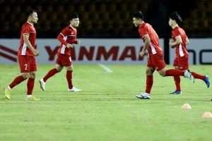 Tuyển Việt Nam đấu tập nội bộ trước trận bán kết gặp Philippines