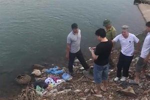 Phát hiện thi thể trẻ sơ sinh trong balo vứt ở bờ sông