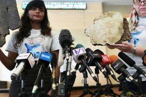 Nóng: Gia đình nạn nhân MH370 công bố mảnh vỡ máy bay mới