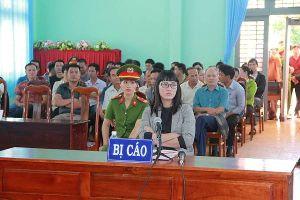 Tuyên phạt Huỳnh Thục Vy 2 năm 9 tháng tù giam vì tội 'xúc phạm Quốc kỳ'