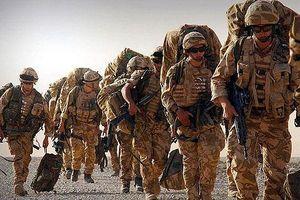 NATO dồn lực lượng và vũ khí áp sát biên giới Nga