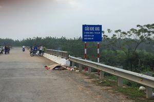 Nghệ An: Phát hiện người đàn ông chết trong tư thế treo cổ ở gầm cầu