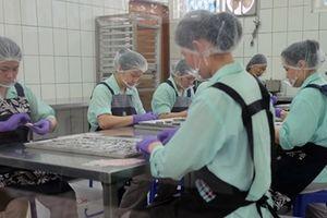 Nhà tù phát tài nhờ cho phạm nhân sản xuất thực phẩm sạch