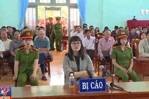Phạt tù Huỳnh Thục Vy về tội 'xúc phạm Quốc kỳ'