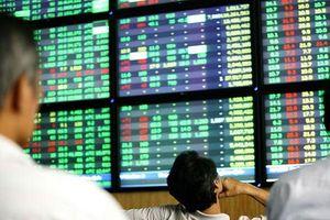 BẢN TIN TÀI CHÍNH-KINH DOANH: Cổ phiếu bất động sản tiềm ẩn rủi ro, tín dụng đen 'bủa vây' công nhân
