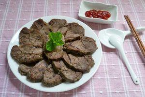 Bí quyết làm món bắp bò luộc chấm mắm đơn giản, ngon cơm