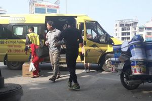 'Tái lập' xe dù bến cóc giữa Thủ đô