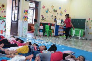 Vụ bé 4 tuổi bị buộc dây: 'Mong dư luận có cái nhìn vị tha, chia sẻ với giáo viên!'