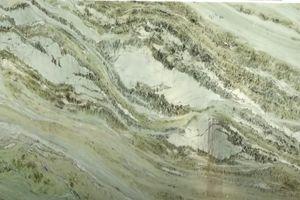 Phiến đá ngọc nguyên khối 2,6 tỷ đồng tại Hà Nội