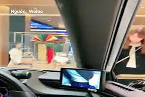 Lexus ES300h sử dụng camera thay thế cho gương chiếu hậu