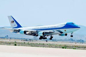 TT Trump điều Air Force One đưa linh cữu Bush 'cha' về Washington