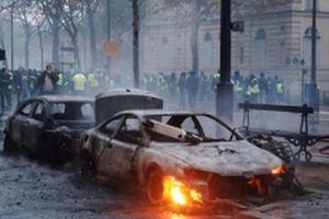 Biểu tình gây bạo loạn nghiêm trọng ở thủ đô Paris, gần 300 người bị bắt giữ