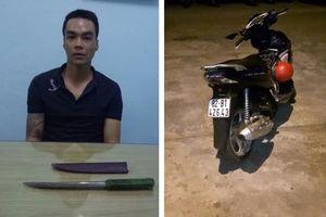 Bắt giữ nam thanh niên vừa ra tù lại rút dao đâm chết người ở tiệm net