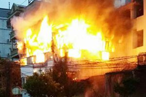 Cháy lớn ở khu nhà trọ tại TP.HCM, 1 nữ công nhân tử vong