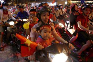 CĐV tin tưởng tuyển Việt Nam vào chung kết