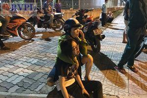 Con gái gào khóc tại hiện trường vụ tai nạn, nơi người cha tử vong