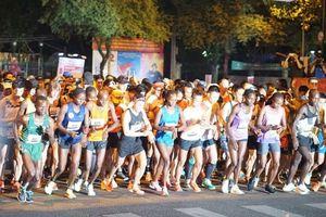 Hơn 8.500 người tham gia giải marathon quốc tế TPHCM 2018