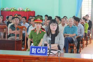 Xúc phạm quốc kỳ, người phụ nữ (Đắk Lắk) phải ngồi tù hơn 2 năm