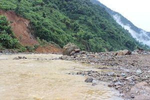 Nữ sinh Sơn La bị nước cuốn trôi khi tắm sông
