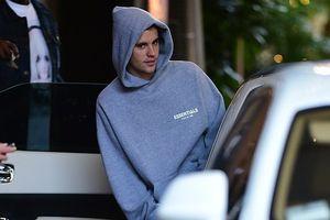 Justin Bieber ra phố ăn trưa một mình ở Beverly Hills