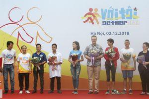 Các đại sứ tham gia giải chạy với người khuyết tật 2018