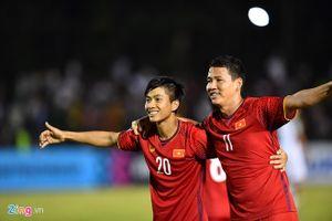 'Song' Đức lập công, tuyển Việt Nam thắng Philippines chung cuộc 2-1