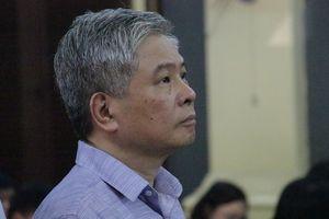 Cựu Phó thống đốc NHNN Đặng Thanh Bình chuẩn bị hầu tòa phúc thẩm