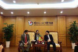 Hội Nhà báo Việt Nam và Hội Nhà báo Cuba tăng cường quan hệ hợp tác