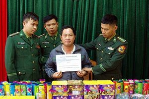 Hà Tĩnh: Bắt đối tượng buôn pháo từ Lào về chơi Tết