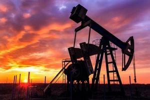 Giá dầu tăng mạnh sau khi thỏa thuận cắt giảm sản lượng được gia hạn