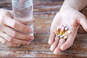 Những loại thuốc 'uống vào là chết' khi bị sốt xuất huyết