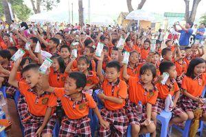 'Sữa học đường' vì dinh dưỡng và chiều cao của thế hệ tương lai