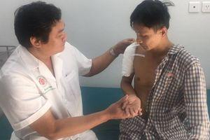 Phẫu thuật thay khớp vai thành công cho giáo viên bị u xương cánh tay
