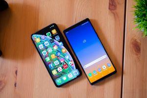 Samsung khen Samsung Galaxy Note9 trên MXH bằng một chiếc iPhone khiến nhiều người bất ngờ