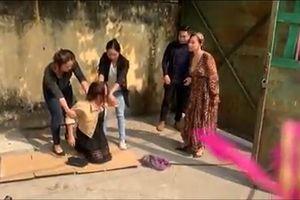 'Chạy trốn thanh xuân': Vy bị đánh ghen và lời cảnh cáo cho những cô sinh viên ngây dại